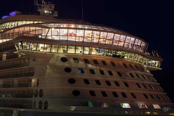 """Ovation of the Seas"", Kreuzliner, Columbuskaje1.2.4.9 Die Kreuzliner,1.2.4 Öffentlichkeit_Intermedia,1.2 WebseitePixelboxx-Export"