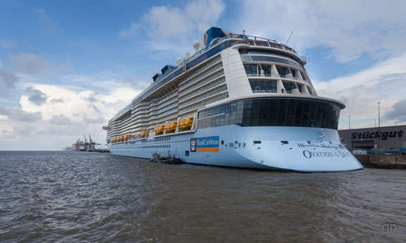 """Ovation of the Seas"", Kreuzliner, ColumbuskajeOvation of the seas1.2.4.9 Die Kreuzliner,1.2.4 Öffentlichkeit_Intermedia,1.2 WebseitePixelboxx-Export"
