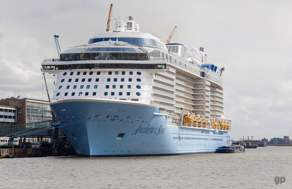 """""""Anthem of the Seas"""" an der Columbuskaje BremerhavenAnthem of the Seas1.2.4.9 Die Kreuzliner,1.2.4 Öffentlichkeit_Intermedia,1.2 WebseitePixelboxx-Export"""